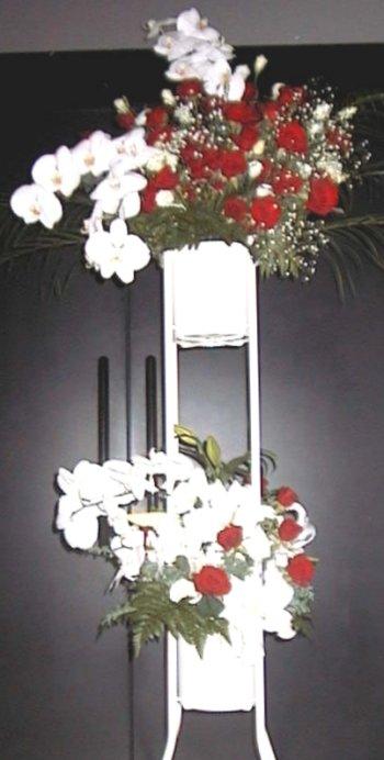 赤・白スタンド盛り花(ニ段飾り)