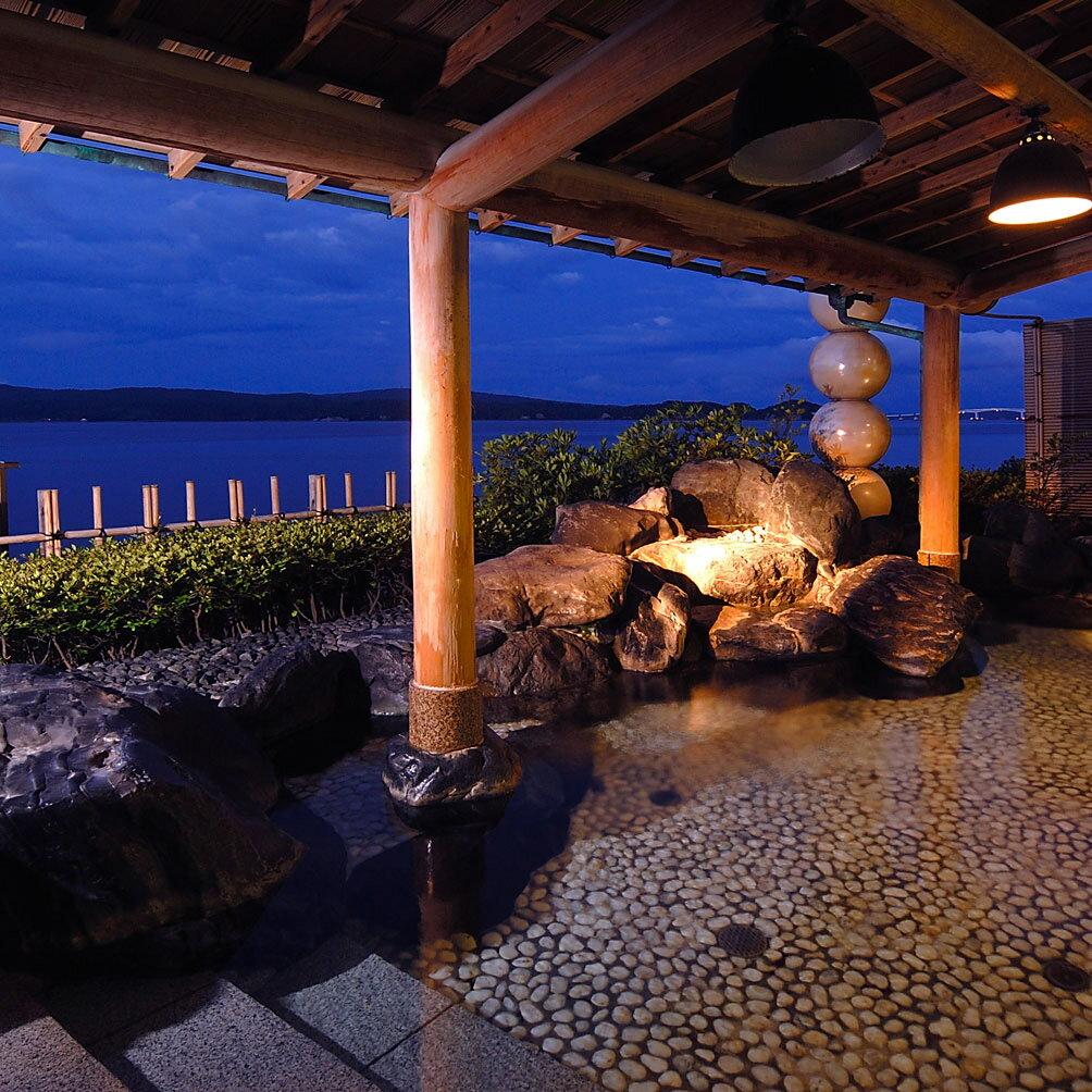 【ふるさと納税】和倉温泉ゆけむりの宿「美湾荘」1泊2食付きペア宿泊券