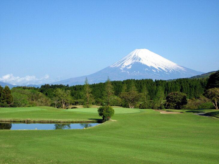 【ふるさと納税】芦の湖カントリークラブ土日祝日ゴルフ利用券【4名】