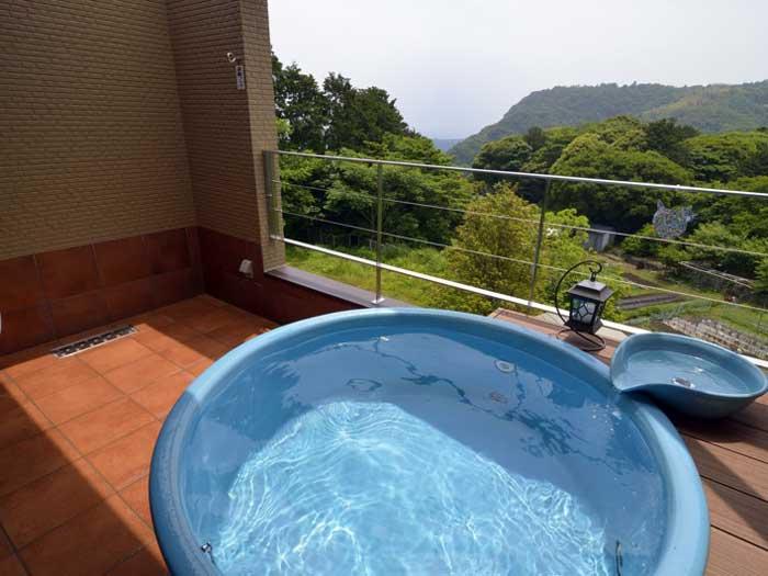 陽だまりの丘 海一望!露天風呂付きツインルームペア1組1泊2食【ふるさと納税】