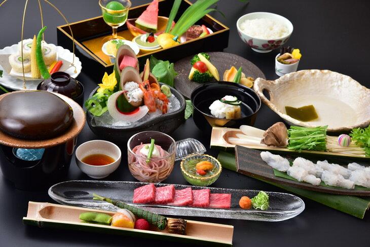 【ふるさと納税】おもてなしの宿 渓山閣  別館 京料理さくら ペア御食事券