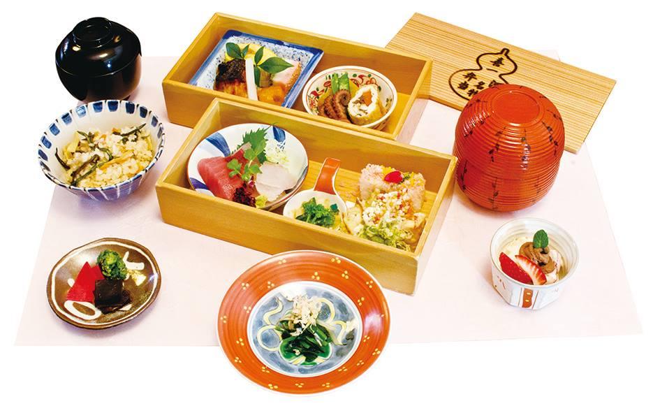 【ふるさと納税】日本料理喜一 「河内名物 二段弁当」ランチ