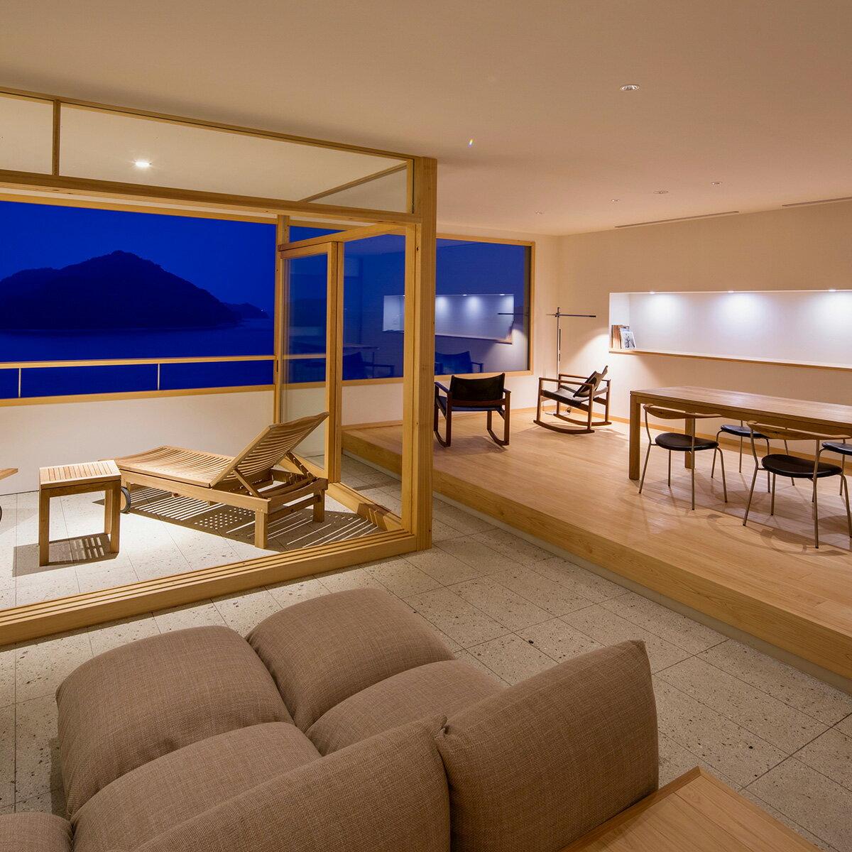 【ふるさと納税】デラックスルーム「陽光」宿泊と創作会席料理+オリジナルカクテル(2名)