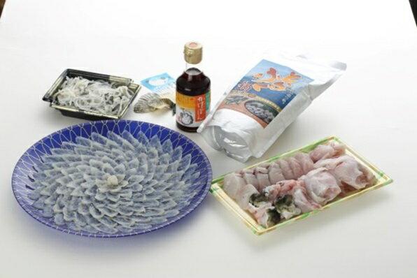 【ふるさと納税】とらふぐ刺身と鍋セット(3〜4人前)