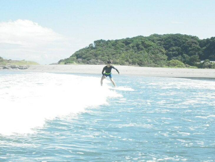 【ふるさと納税】日向の波でサーフィン体験チケット