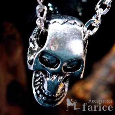 笑うモンキースカル(猿の髑髏)デザイン クラックヘッド(ひび割れた頭蓋骨)装飾 ブラックカラー燻し調仕上げ メンズ ペンダント ネックレス【あずきチェーン付き】