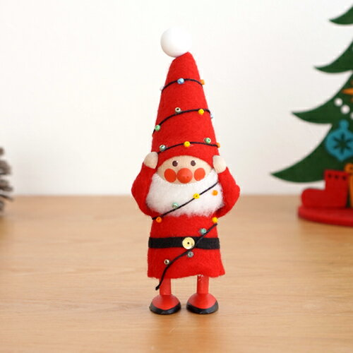 ノルディカニッセ 電飾にからまるサンタ フェルトシリーズ 赤 NORDIKA nisse 2020 クリスマス 雑貨 木製 人形 北欧 NRD120647