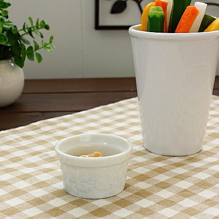 苺柄ミニスフレ洋食器・白い食器・ココット・アウトレット込み・訳あり・多治見美濃焼・日本製