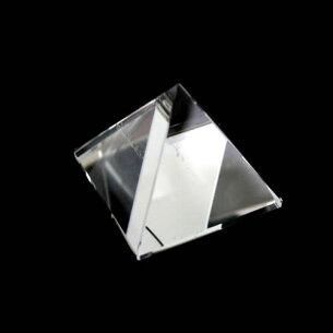 ピラミッド ストーン クリスタル クオーツ クォーツ