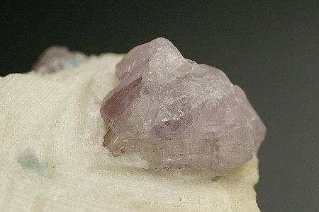 ハックマナイト結晶 アフガニスタン産