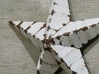 ティン・バーン・スター・14インチ※アンティークの質感を再現しているため、ペンキが剥がれやすいのでご注意ください。※風合い・サイズに個体差があります。...