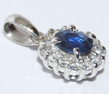 【送料無料】Pt ブルーサファイア-0.36ct&ダイヤモンド 取り巻きデザインペンダントトップ【smtb-tk】【fsp2124】 小粒なブルーサファイアがとてもキュートなペントップ!
