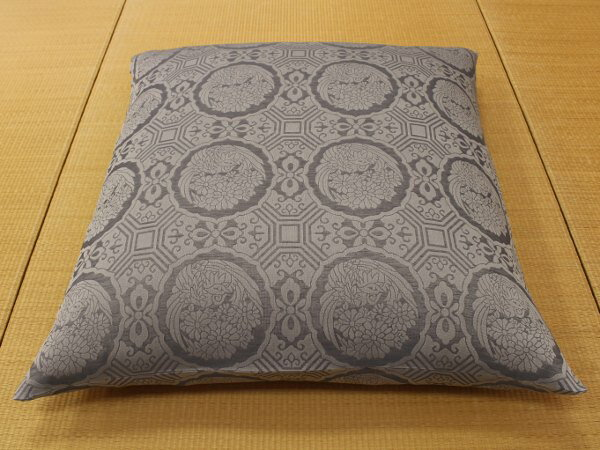 pillow buddhist single women Crystal cove meditation pillow by angela kukhahn designed by los angeles yoga instructor angela kukhahn, this pillow brings just enough height and support to your meditation practice, allowing the delicate curves of your spine to fall into place for extended periods of comfortable sitting.