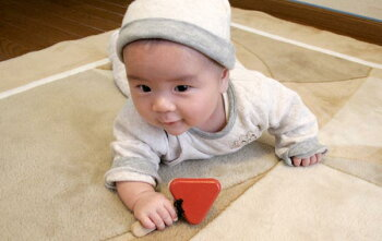 赤ちゃんカスタネット木のおもちゃ出産祝い名入れギフト日本製おしゃぶり赤ちゃんおもちゃ銀河工房人形