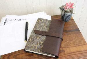 金の薔薇が映えるシックで品の良い高級本革製ノートカバーフラップタイプ(リフィルノート付)【RosaDorata】M・A5サイズ