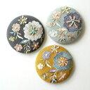 手鏡 おしゃれ コンパクトミラー 和 インド 刺繍 大人 かわいい 小さい 直径8cm 丸 花柄 ビーズ刺繍ミニミラー 3カラー