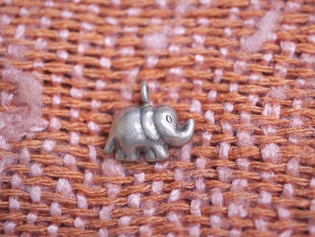 タイ北部カレン族の作るアクセサリー 小さな象さん...の商品画像