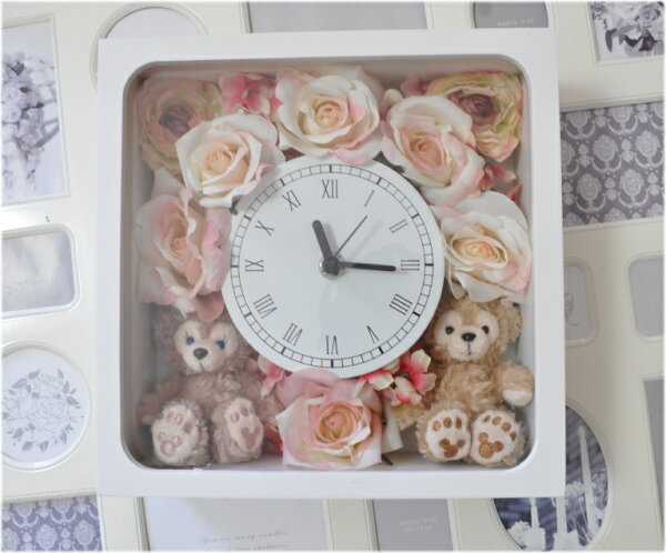 ホワイトデーにいかが?ディズニーシー★ダッフィー&シェリーメイがついた時計。掛け時計としても、置時計としてもつかえます。プレゼントにおすすめ!プリザーブドフラワー