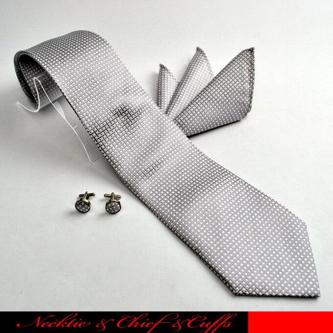 シルク100%のジャガードネクタイとポケットチーフ、カフスボタンの3テンセットです。☆シルク100%ネクタイ/ネクタイ3点セット/ポケットチーフ/カフスボタン/高級/ギフト/冠婚/シルバー/防水/抗菌