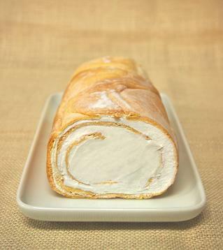 ヒロタのシューロール:プレーン[洋菓子のヒロタ][ヒロタ][HIROTA][スイーツ][お菓子][ケーキ][シューケーキ][シュー][ロールケーキ][人気][内祝][お礼][シュークリーム][専門店][ミルク][ギフト][贈答品][贈り物][母の日][感謝][御礼][手土産][景品]