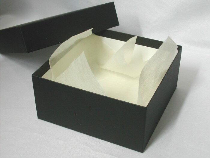 スクエアのギフトボックス(ブラック)Mサイズ直径17cm高さ8cm【プレゼント用箱 四角い箱 黒い箱】内側用ラッピングペーパー付