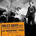 艺人名: M - Miles Davis マイルスデイビス / At Newport 1958 (+5 Bonus Track) 輸入盤 【CD】