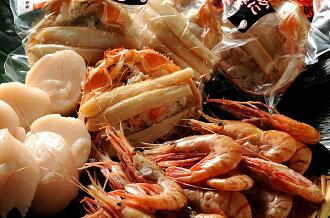 Hokkaido seafood products luxury set ( spot prawns 500 g × 2, frozen scallops 500 g × 2, crab shell height 110 g x 4 )