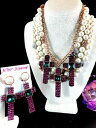 【送料無料】ジュエリー・アクセサリー ベッツィージョンソンベッツィービルパールネックレスクロスイヤリングセットnwt betsey johnson duchesse de betseyville perle collier 3 croix earrings set