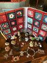 ショッピングアドベントカレンダー 【送料無料】ジュエリー・アクセサリー ロットヴィンテージクリスマスブローチアドベントカレンダーワンダフルlot 24 vintage christmas brooches amp; handmade advent calendar wonderful gift