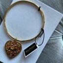 【送料無料】ジュエリー・アクセサリー ブランドジューシークチュールゴールドハートブレスレットチャームnuovo di zecca juicy couture oro cuore bracciale con charm
