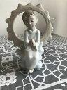 【送料無料】キッチン用品・食器・調理器具・陶器 ナオバイラッドロフィギュアイエスは私を愛してパーフェクトコンディションNao by Lladro Figurine ' Jesus loves me ' 1445 Perfect Condition