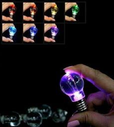 面白い!! LED 電球型 ライト レインボーカラー に 光る キーホルダー 夜間や暗闇等のちょっとした光に【 5個セット 】