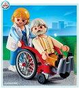 �v���C���[�r�� 4226 �Ԉ֎q�Ɗ��҂��� Playmobil Wheelchair with Pa