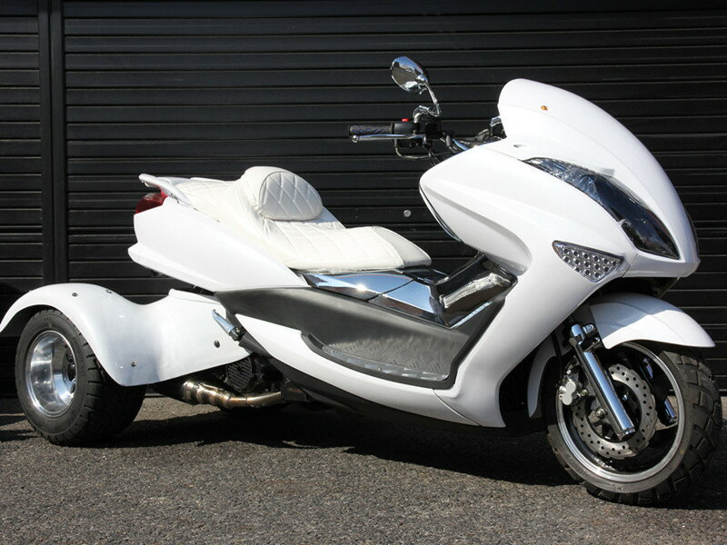 大型スクータートライク200cc整備済完成車 三輪バイク公道走行高速可ノーヘル二人乗り LEDライトLEDテールLEDウインカーエナメルシートメッキカウルHL200XW2
