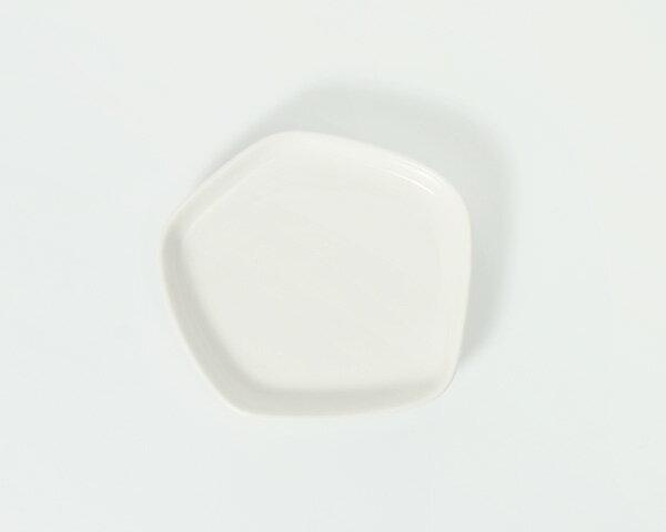イッタラ × イッセイ ミヤケ ミニプレート 11×11cm ホワイト iittala × ISSEY MIYAKE 【耐熱 電子レンジ対応 お皿】[6月マラソン]