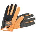 Drummers Glove スティックのグリップ感はそのままに、通気性/耐久性/フィット感を更に向上させたモデル。スティックが当たる部分は耐久性を考え二重構造とし、一方で人差し指の部分はあえて加工を施さず、関節の屈伸性の自由度を上げるよう配慮されている。 カラー:オレンジ サイズ:M(手首~中指先端:210mm、横幅:約95mm)