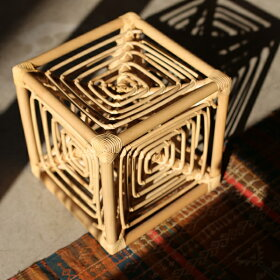 岡本太郎TAROOKAMOTOサイコロ椅子籐製スツールGLOCALSTANDARDPRODUCTSグローカルスタンダードプロダクツ【送料無料】