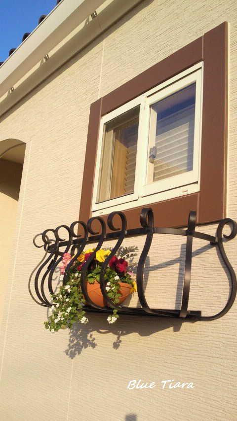 窓辺を彩る ロートアルミ製フラワーボックス 910 期間限定!フラワーボックスがお求めやすいお値段で(定価49000円)