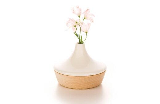 木と磁器で出来た花器【kime花器】