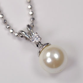 Natural shell Pearl and CZ collaboration ☆ grain Pearl pendant