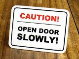 アメリカンインテリアの小技!雰囲気変わります!サイン&ラベルミニステッカー(シール、デカール)/EL-009/「注意!ドアはゆっくり開けなさい」