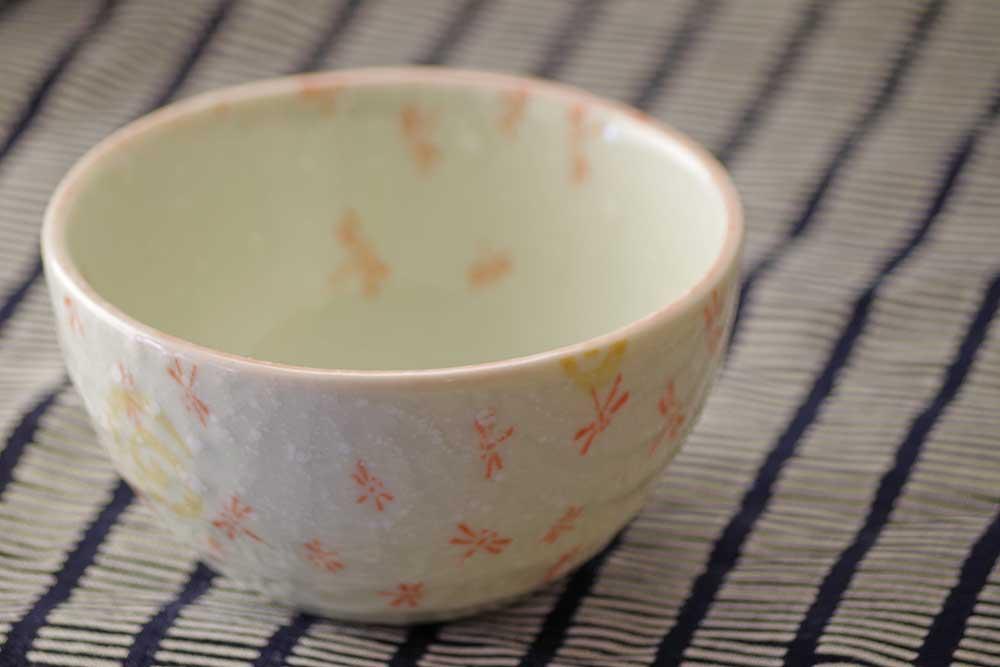 もずく酢や温泉玉子などちょっとしたものに使いやすいトンボ3.0深鉢<赤>