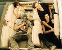 カリフォルニア 映画 オープンカー 車の壁紙 輸入 カスタム壁紙 PHOTOWALL / Kalifornia - Juliette Lewis And Brad Pitt (e317101) 貼ってはがせるフリース壁紙(不織布) 【海外取り寄せのため1カ月程度でお届け】 【代引き不可】