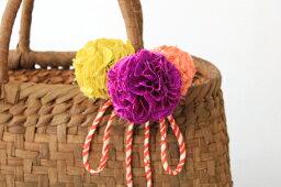 anascott**かご用コサージュ暖色系(アンティーク着物生地使用)ヘアゴムとしても使えます。(約)花2個幅9.5cm 花1個幅5cm 紐全長88cm※かごバッグは付きません。