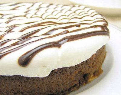 年に数回の販売!最短2分47秒で完売!ご注文殺到で、世に出られなかった…濃厚チョコレートケーキ
