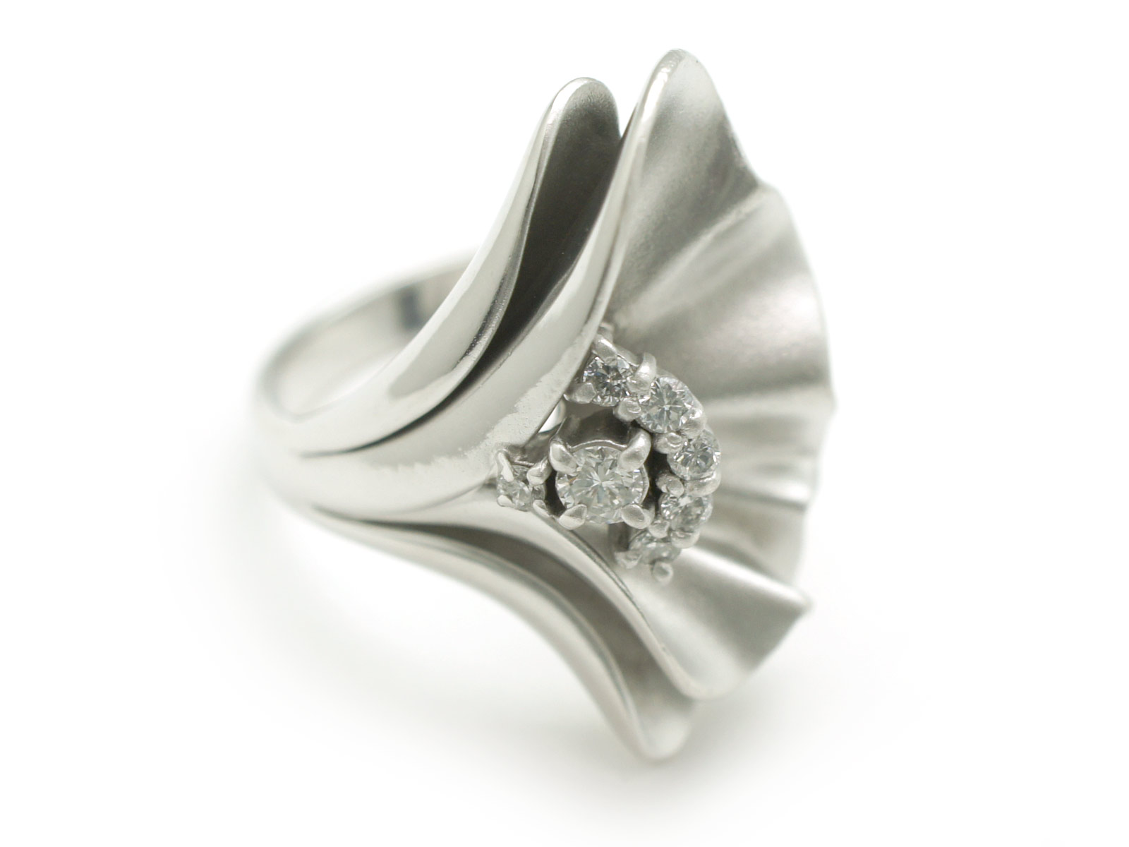 Pt900×D0.07/0.12ct リング 約12.5号 指輪 プラチナ×ダイヤモンド 花びら フラワー 大きめ アクセサリー ジュエリー 宝石 レディース【】 USED_A n16-818 かんてい局北名古屋店 プラチナ&ダイヤモンドが輝く♪ダイナミックなデザインが存在感抜群です♪
