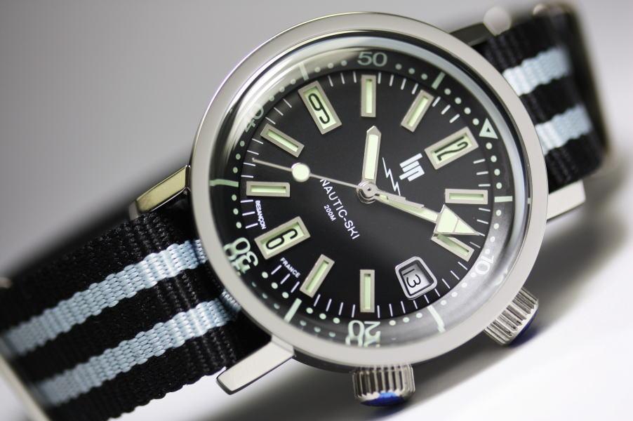 1967年の復刻!フランスのLIP【リップ】NAUTIC-SKI【ノーティックスキー】クォーツ腕時計/200m防水/正規代理店商品