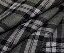 白黒&濃淡グレー系のトラッドなタータンチェック♪うっすら淡ピンクの細ラインがアクセント♪日本製ウール/ポリエステル混先染めツイル生地♪W巾150cm 防縮加工 布 布地 服地 通販 チェック ウール生地 チェック柄 スカート パンツに
