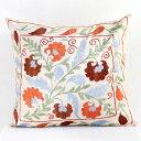 クッションカバー45cm角 ウズベキスタンスザンニ suzani シルクの手刺繍赤い小さな花と枝葉