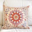 シルク手刺繍のクッションカバー/ウズベキスタンスザンニ/suzani/ 48×51cm華やかな花模様